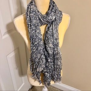 Gray and White Thin Scarf